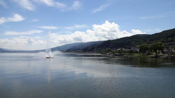 諏訪湖と噴水
