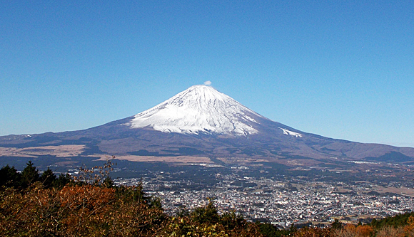 乙女峠・ふじみ茶屋前からの富士山