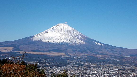 乙女峠・ふじみ茶屋の前かの望む富士山