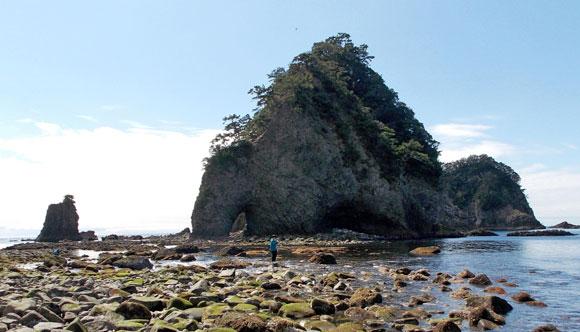 静岡県伊豆半島・西伊豆の三四郎島