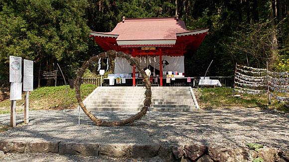御座石神社 ( ござのいしじんじゃ )