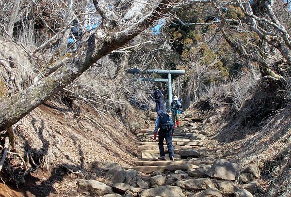 神奈川県伊勢原市・大山登山「1つ目の鳥居」