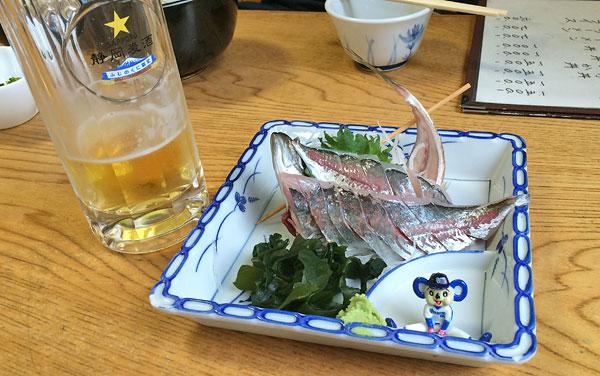 お食事処・坂下で生ビールと鯵の刺身を頂きました!