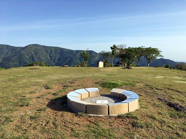 静岡県西伊豆・丹野平山頂「山名標識」