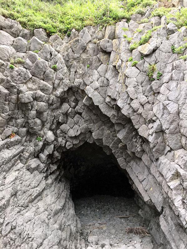 中木の海食洞