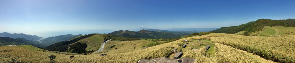 伊豆半島の仁科峠から360度の大パノラマと富士山を眺望!