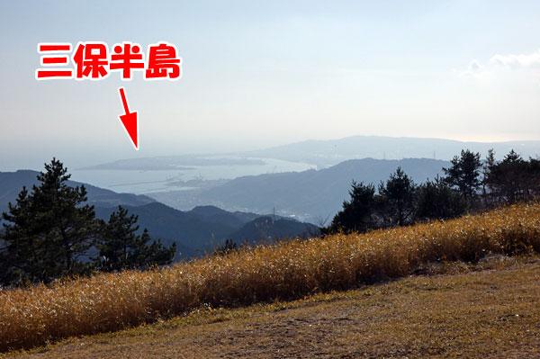 浜石岳山頂から三保半島も見える
