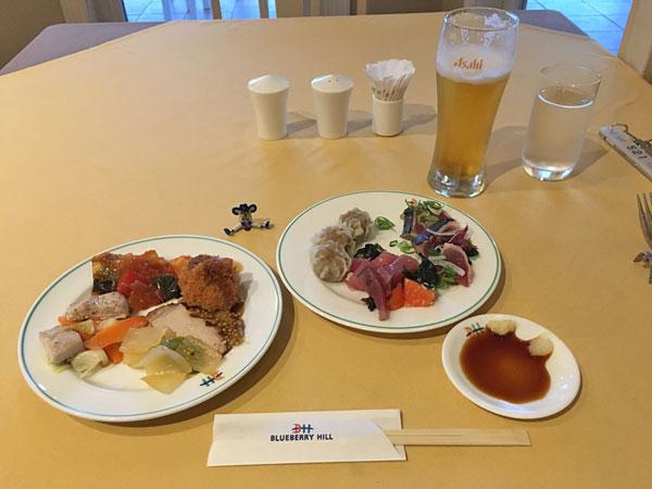 ブルーベリーヒル勝浦・夕食は生ビールとバイキング
