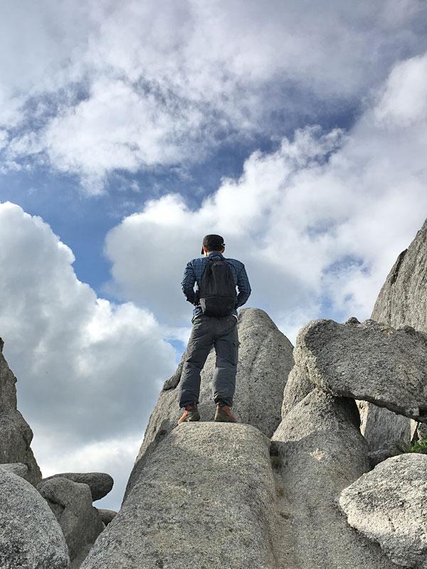 地蔵岳のオベリスクにチャレンジ・甲斐駒ヶ岳を望む