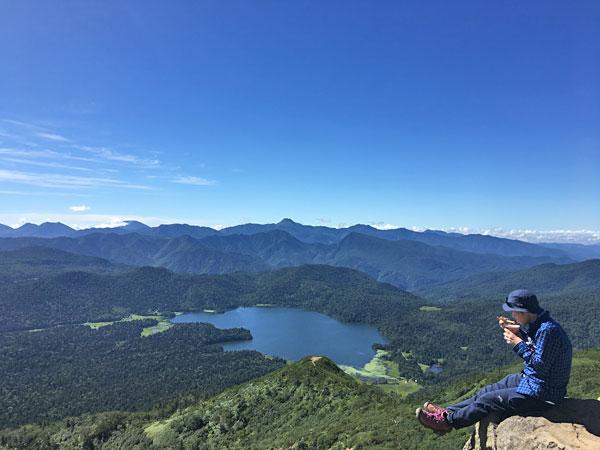 燧ケ岳登山・俎嵓山頂にてカップラーメンを頂きました